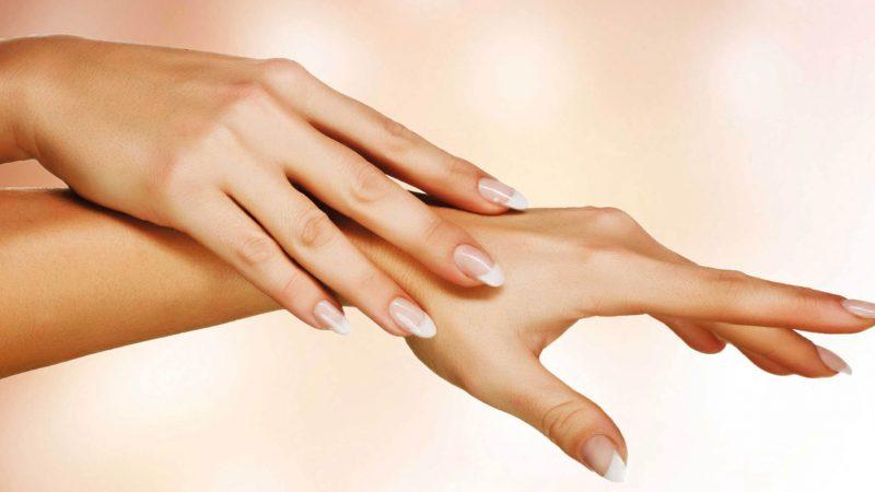 Догляд за нігтями на руках влітку в домашніх умовах