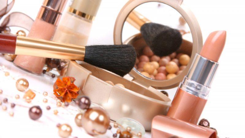 Види косметики та парфумерії: як підібрати косметику