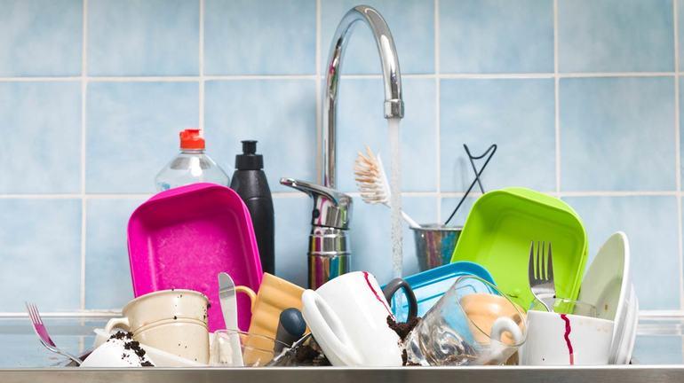 Прибирання в своєму і чужому будинку, тлумачення по соннику Міллера про миття посуду