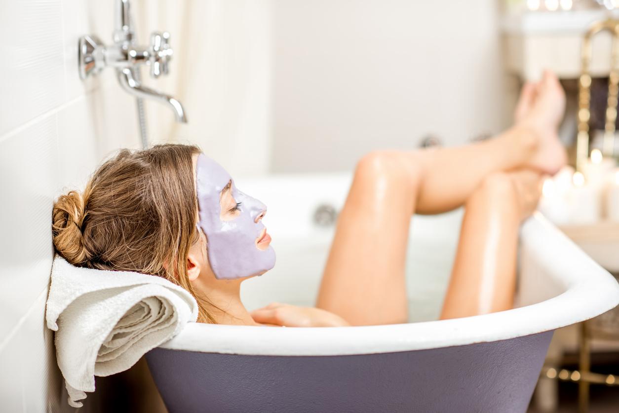 Отшелушивающие маски для лица в домашних условиях: виды, рецепты