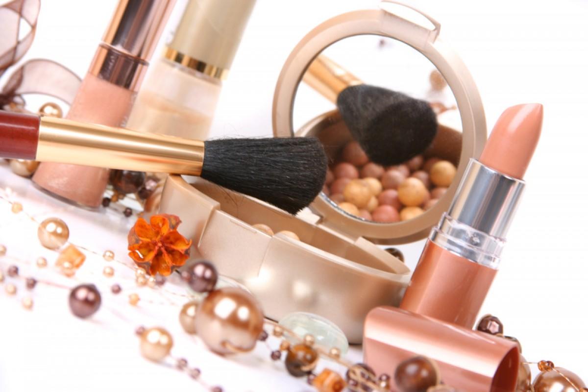 Виды косметики и парфюмерии: как подобрать косметику