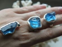 Блакитний топаз (27 фото): магічні та інші властивості. Опис топазів свісс блю, блю скай та інших видів. Значення дорогоцінного каміння
