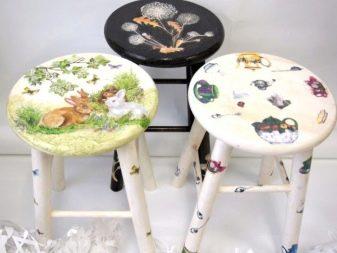 Декупаж стільці та табурети (23 фото): як оновити стару табуретку або дитячий стільчик своїми руками за допомогою техніки декупаж? Майстер-клас для початківців