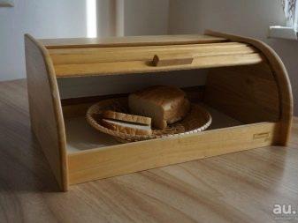 Дерев'яний посуд (29 фото): одноразові вироби з дерева для ресторанів, особливості російських розписних наборів під хохлому