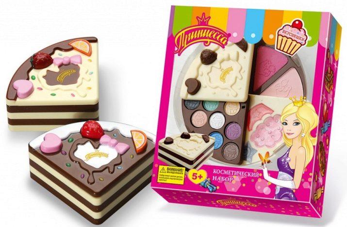 Дитяча косметика «Принцеса»: огляд подарункових наборів для маленьких дівчаток, особливості декоративної косметики для дітей