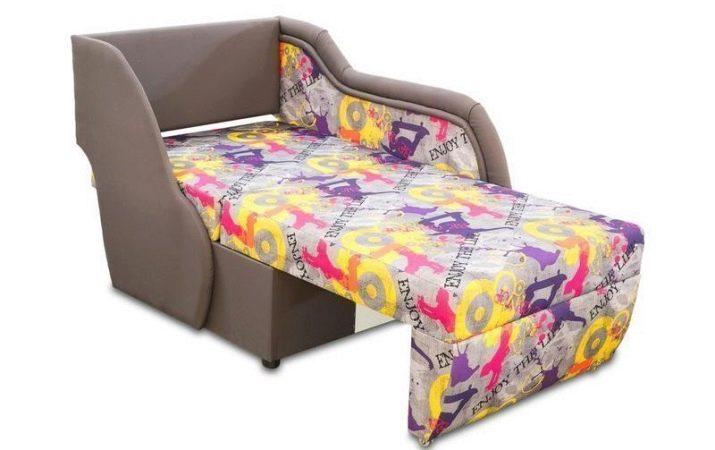 Дитячий викочування диван: моделі з ящиком для білизни выкатные вперед і вбік, для хлопчика 5 років і для двох дітей