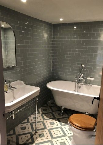Дизайн ванної, поєднаної з туалетом 3 кв. м (76 фото): оформлення інтер'єру санвузли з пральною машиною, планування маленької кімнати