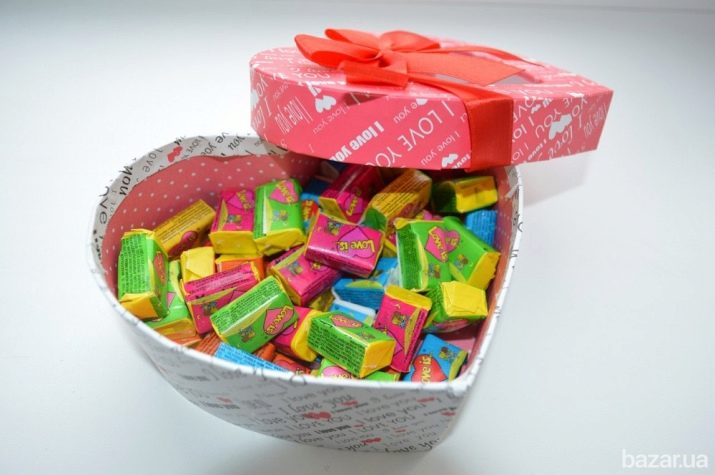 Подарунок дівчині (49 фото): оригінальні та незвичайні ідеї. Красиві і милі, креативні та солодкі подарунки