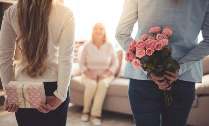 Подарунок на День матері (30 фото): що цікавого можна подарувати мамі? Топ ідей