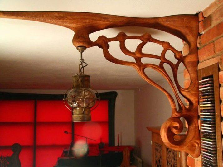 Різьблений декор з дерева: декоративна різьба, накладні елементи на стіну для будинку і інші варіанти для прикраси