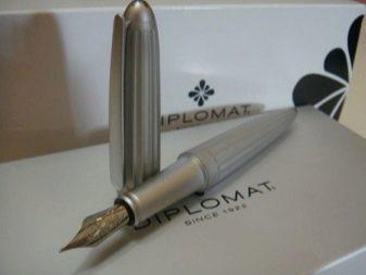 Ручка у подарунок чоловікові: як вибрати хорошу авторучку Parker з гравіюванням? Дорогі кулькові ручки в подарунок чоловікові