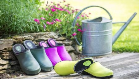 Садові калоші: утеплені для дачі з ПВХ і гумові, поліуретанові жіночі і чоловічі моделі