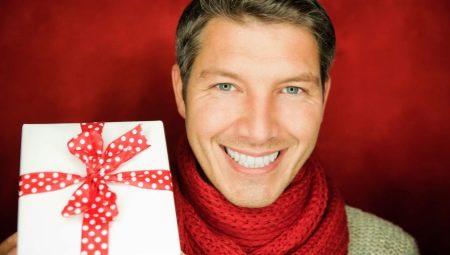 Що подарувати свекру на день народження? Список корисних і оригінальних подарунків батькові чоловіка на ювілей