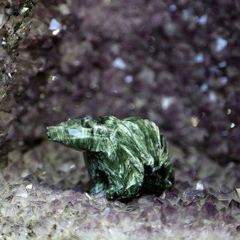 Серафинит (24 фото): значення каменю, магічні властивості мінералу клинохлор