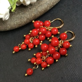 Сережки з коралом (67 фото): сережки Black desert з червоного коралу, моделі з натуральним коралом