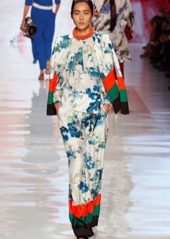 Східний стиль в одязі (83 фото): види напрямів та їх особливості, стильні образи для жінок