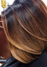 Шатуш на темне волосся каре (28 фото): особливості фарбування зачіски із подовженням з чубком і без неї