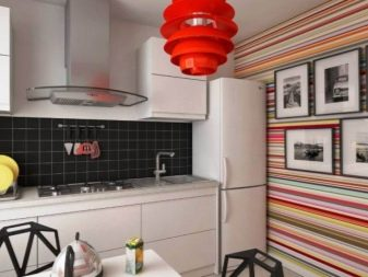 Шпалери для білої кухні (43 фото): які шпалери підійдуть для світлого кухонного гарнітура? Як їх забрати? Варіанти інтер'єру