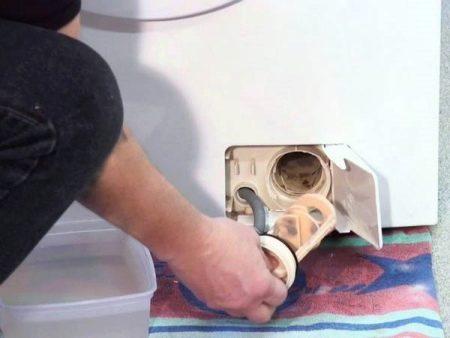 Як почистити фільтр в пральній машині? 19 фото Правильно чистимо зливний фільтр в машинці